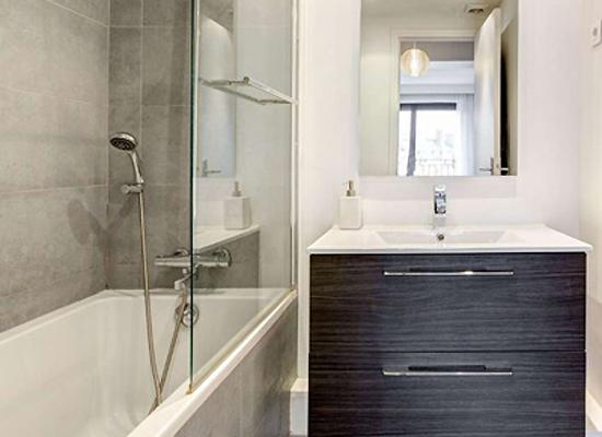 creation de salle de bain cout travaux salle de bain of salle new cout creation salle de bain. Black Bedroom Furniture Sets. Home Design Ideas